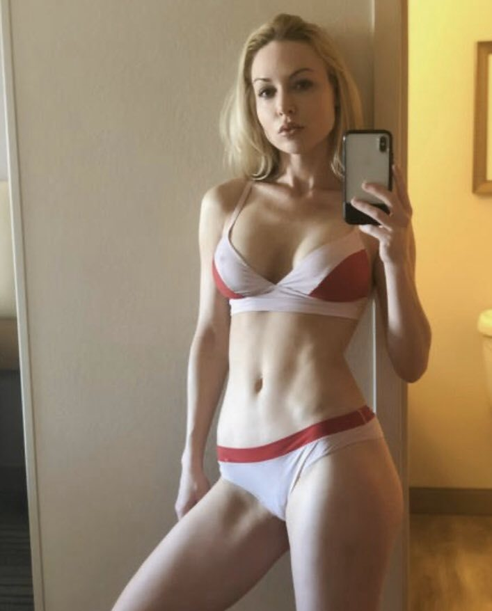 amazing blonde cam girl in live chat rooms - sex cams